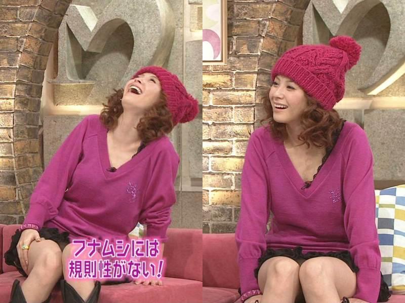 松浦亜弥パンチラ