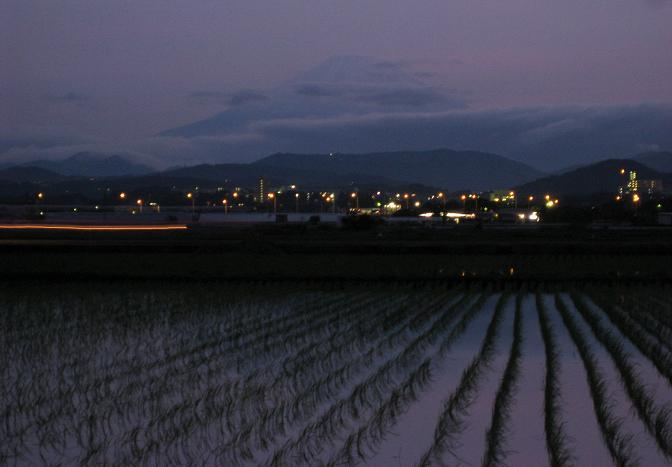 夕暮れ富士山