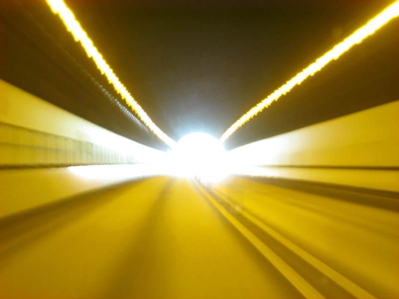 東富士五湖道路9篭坂トンネル