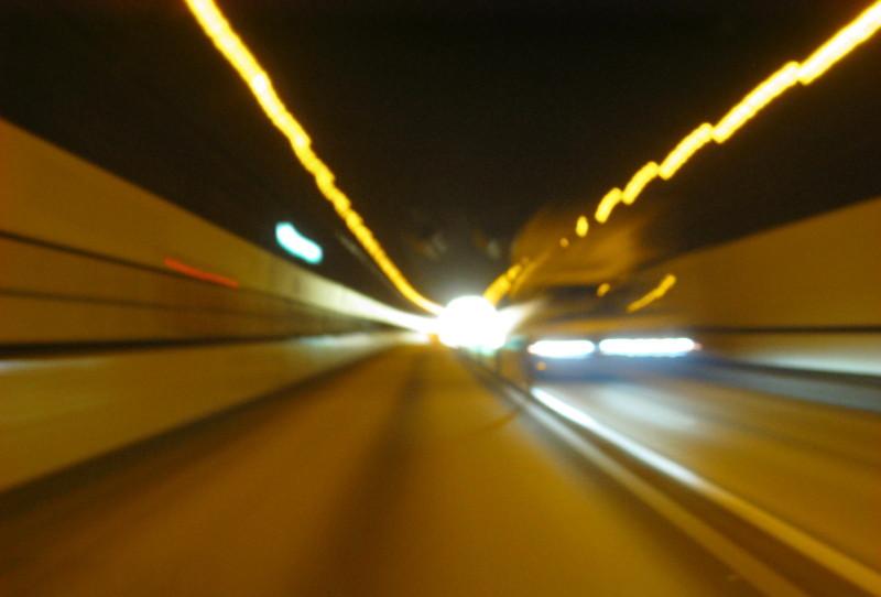 東富士五湖道路8篭坂トンネル