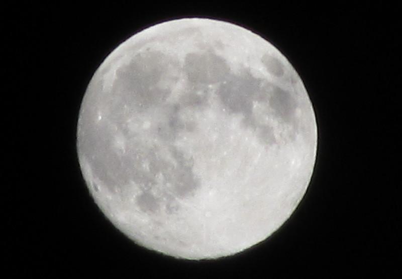 中秋の名月2010年 満月 マンゲつ