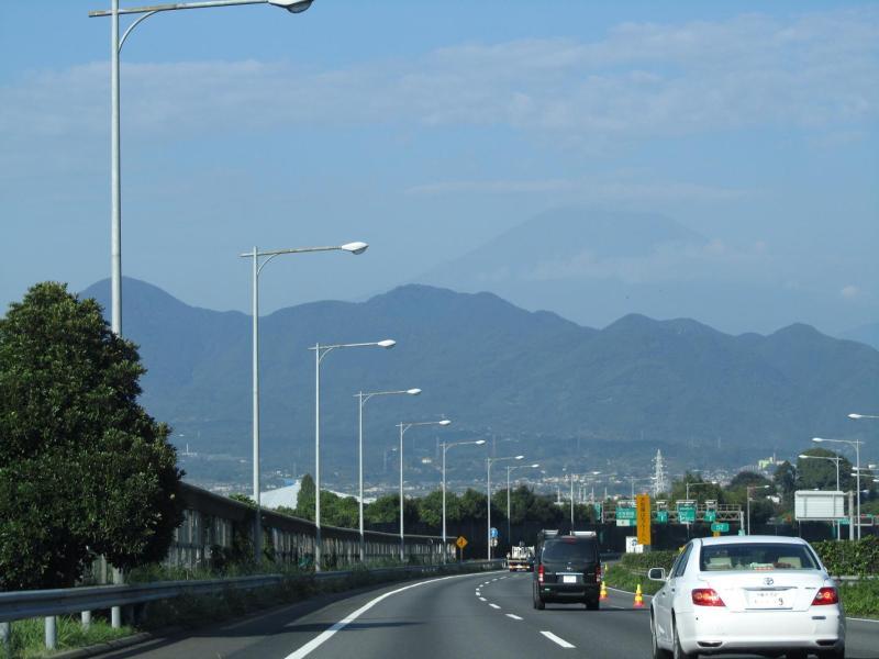 東名高速 富士山 撮影:2010年10月7日8時頃・大井松田