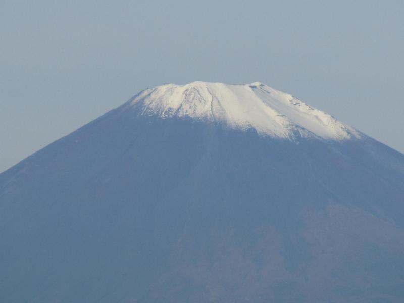 斜め冠雪富士山