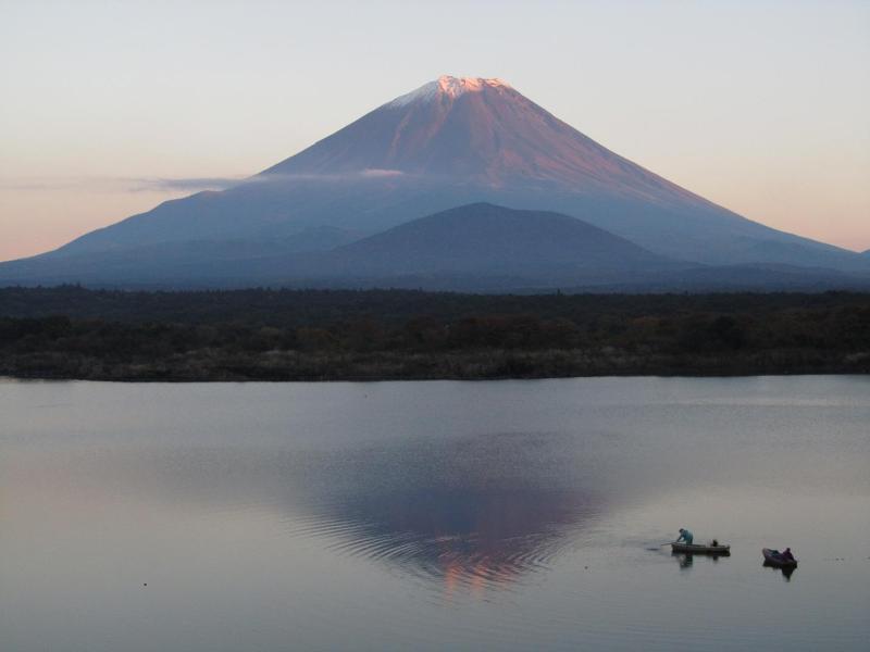 精進湖からの逆さ富士