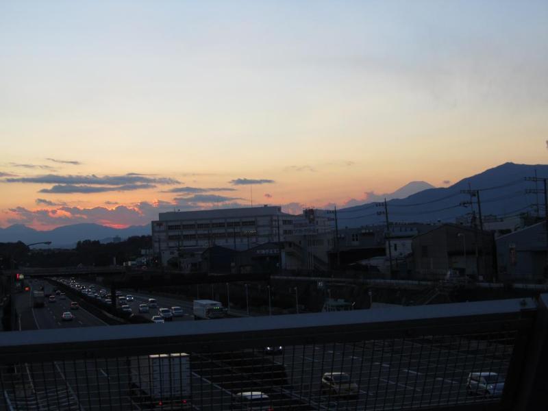 富士山画像 東名高速綾瀬バス停付近