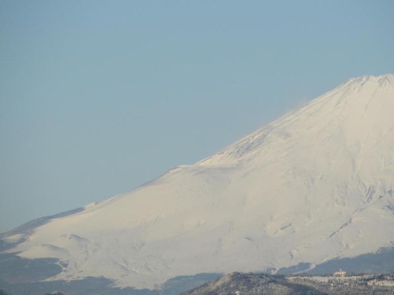 真っ白冠雪富士