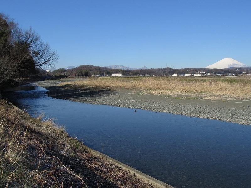 金目川 富士山