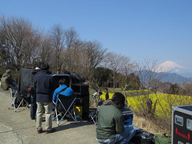 カメラマン 富士山 菜の花