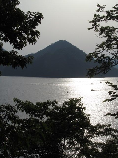 相模湖⇒クソみてえなウンコのアメブロ批評akb富士