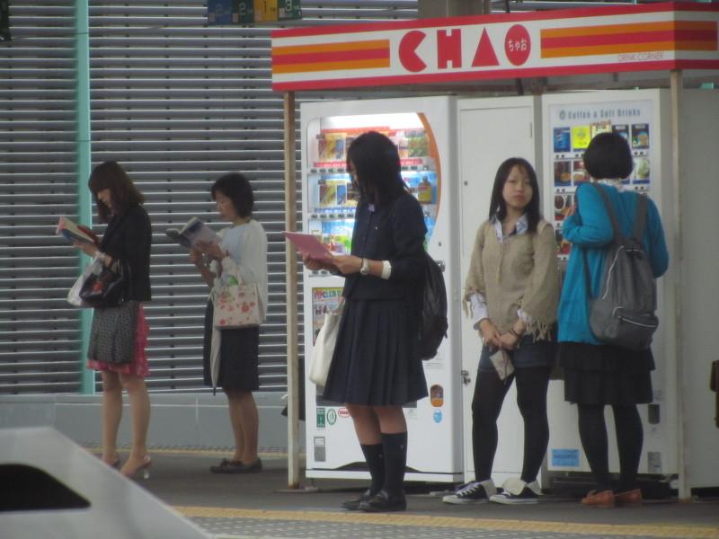 駅のホームJK 富山
