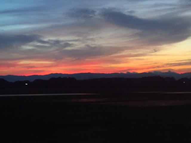 燃え上がってる夕焼け画像