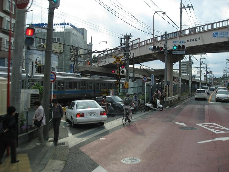 ⇒読売ランド駅